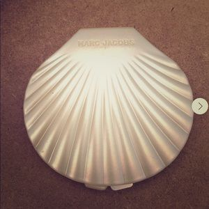 Marc Jacobs Seashell Compact Mirror NEW